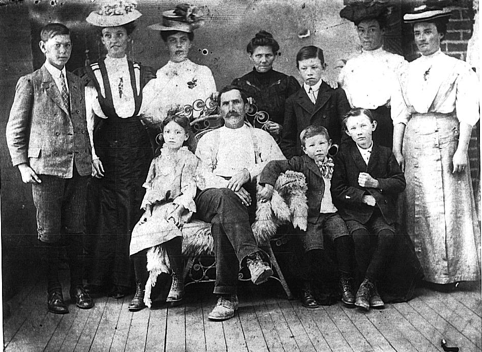 The Isaac Charles Barrett family of Pikeville